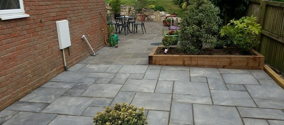 Misty Grey Bourton Riven Stonemarket Paving