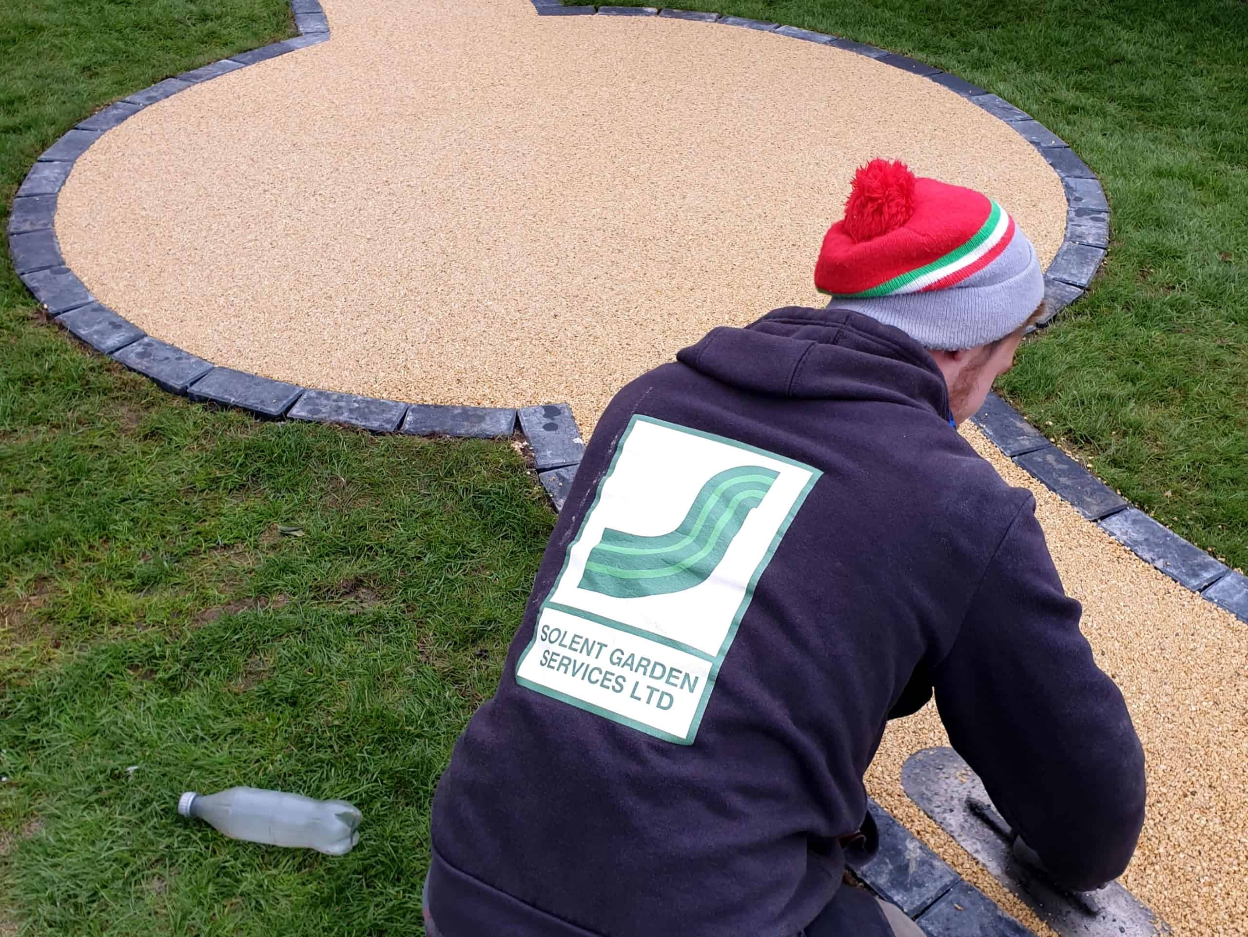 Creating and laying a resin garden path