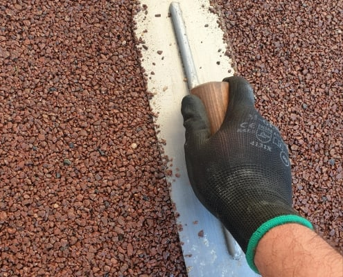 Levelling a resin drive